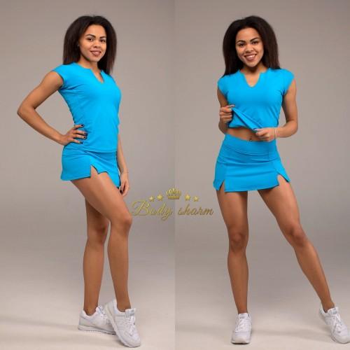 Спортивный комплект юбка-шорты и футболка